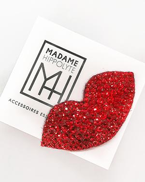"""Broche aimantée en strass de verre rouge """"petula sur sa carte cadeau"""