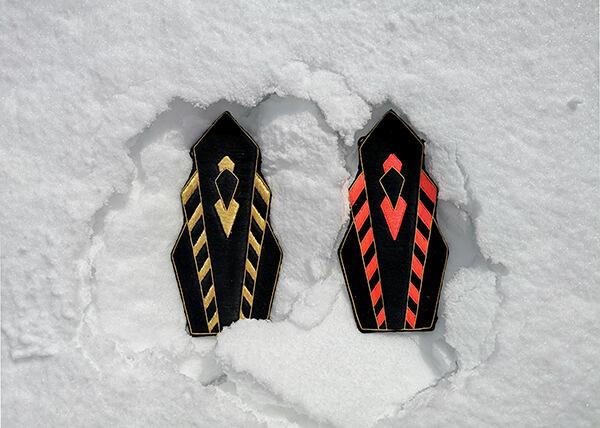 épaulettes posées dans la neige